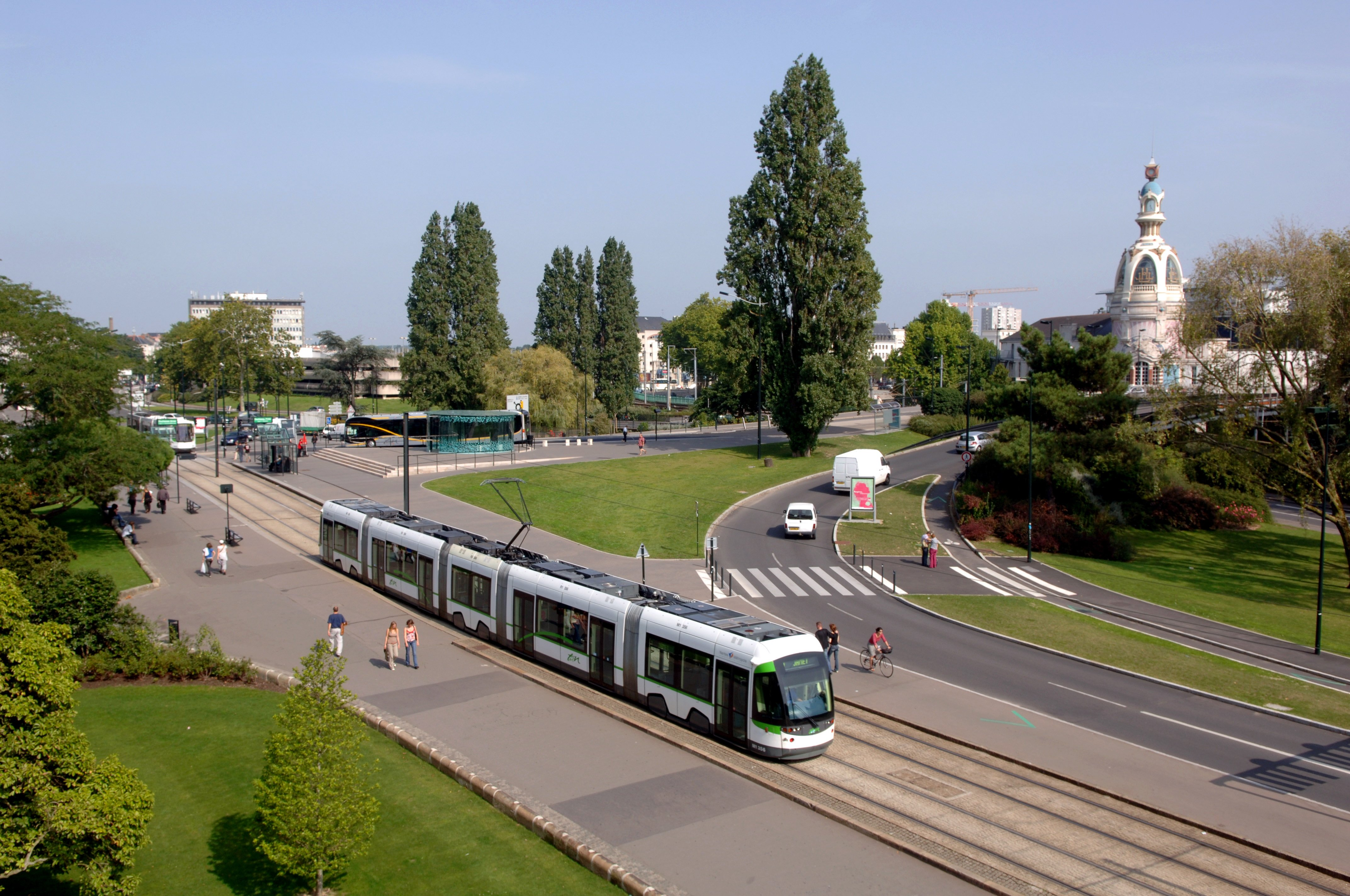 Nantes et sa nouvelle ambition pour les transports en for Piscine nantes gloriette